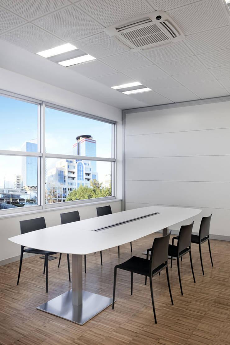 Mesa Plano de Pedrali: Oficinas y tiendas de estilo  de Ociohogar