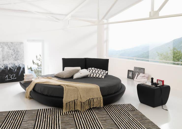 MIAMI: Camera da letto in stile  di Bolzanletti,