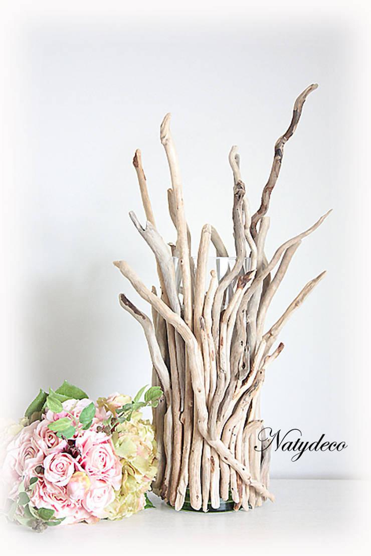 vase en bois flotté: Maison de style  par Natydeco