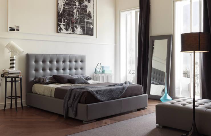 JADORE: Camera da letto in stile  di Bolzanletti,
