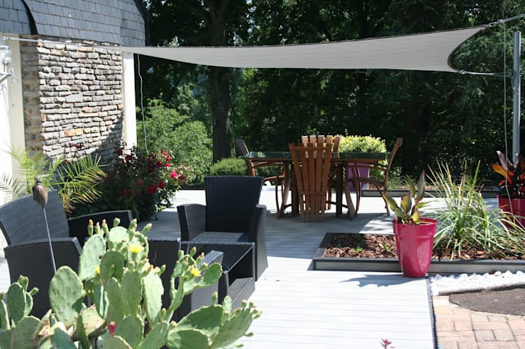 Aménagement d\'une terrasse en bois composite gris von EURL ...