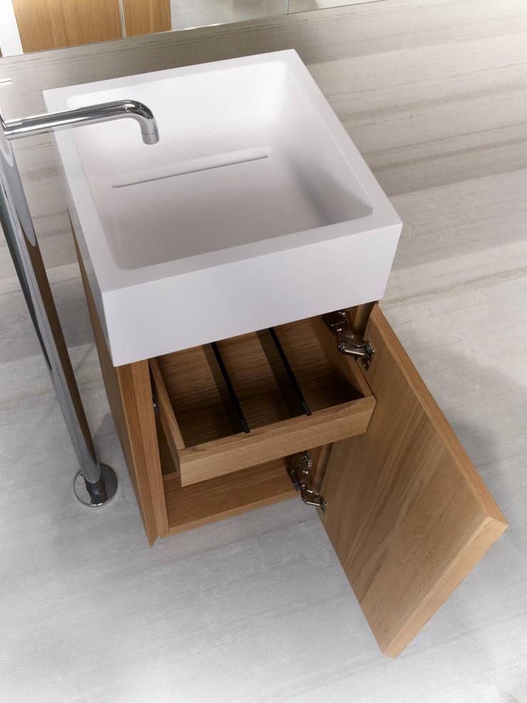 Anteprima S40: Bagno in stile  di casabath