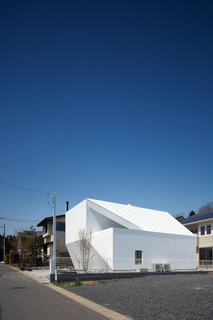 Casas de estilo  por EN.Architecture+Design  (エン・アーキテクチャー+デザイン), Moderno