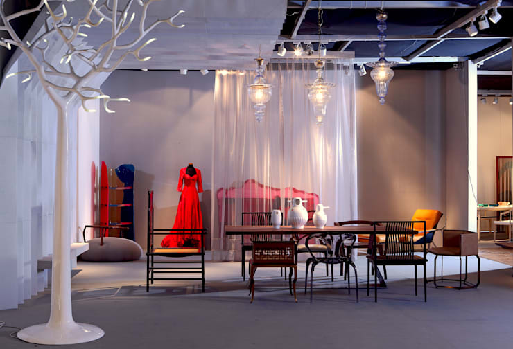 Alice in Wonderland - 2012 BEIJING POLY AUTUMN AUCTION:   by IVAN C. DESIGN LIMITED