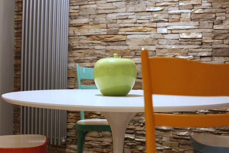 ristrutturazione d'interni villa unifamiliare: Case in stile  di Architetto Monica Becchio, Moderno