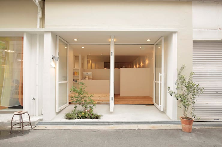 YARD. (美容室): ニュートラル建築設計事務所が手掛けた家です。