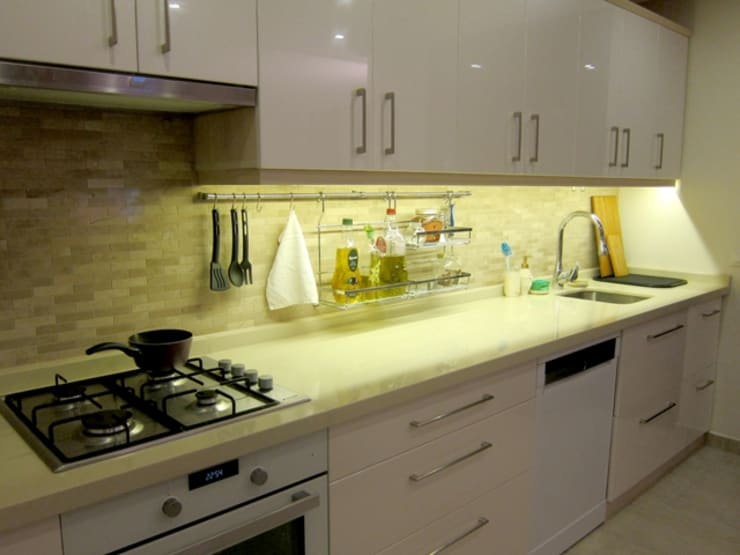 YALÇIN MİMARLIK & DEKORASYON – TERTİPLİ VE DÜZENLİ MUTFAK:  tarz Mutfak
