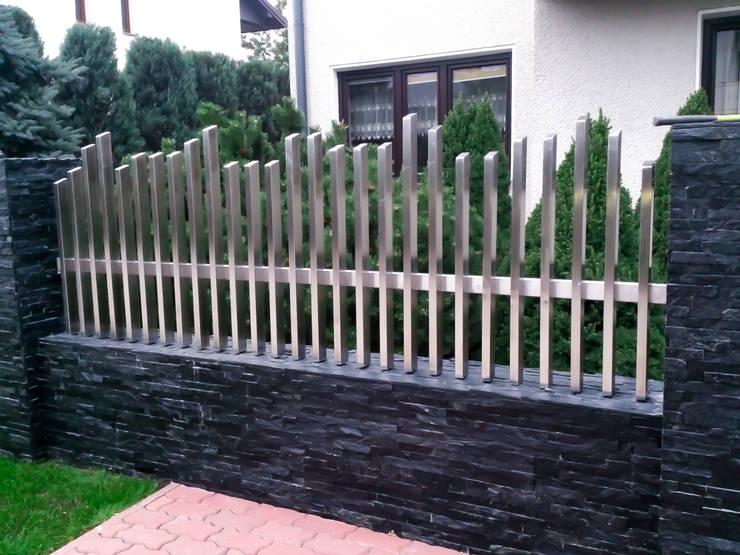 Ogrodzenia nierdzewne: styl , w kategorii Ogród zaprojektowany przez Armet