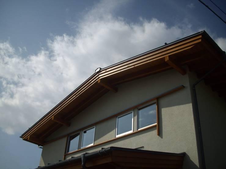 安曇野に薫る和(輪)の家: 設計室a‐rayが手掛けた家です。