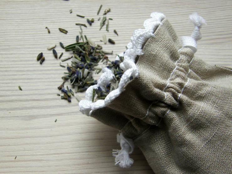 Lniane woreczki z pachnącą lawendą : styl , w kategorii Garderoba zaprojektowany przez WszystkoCoŁadne,