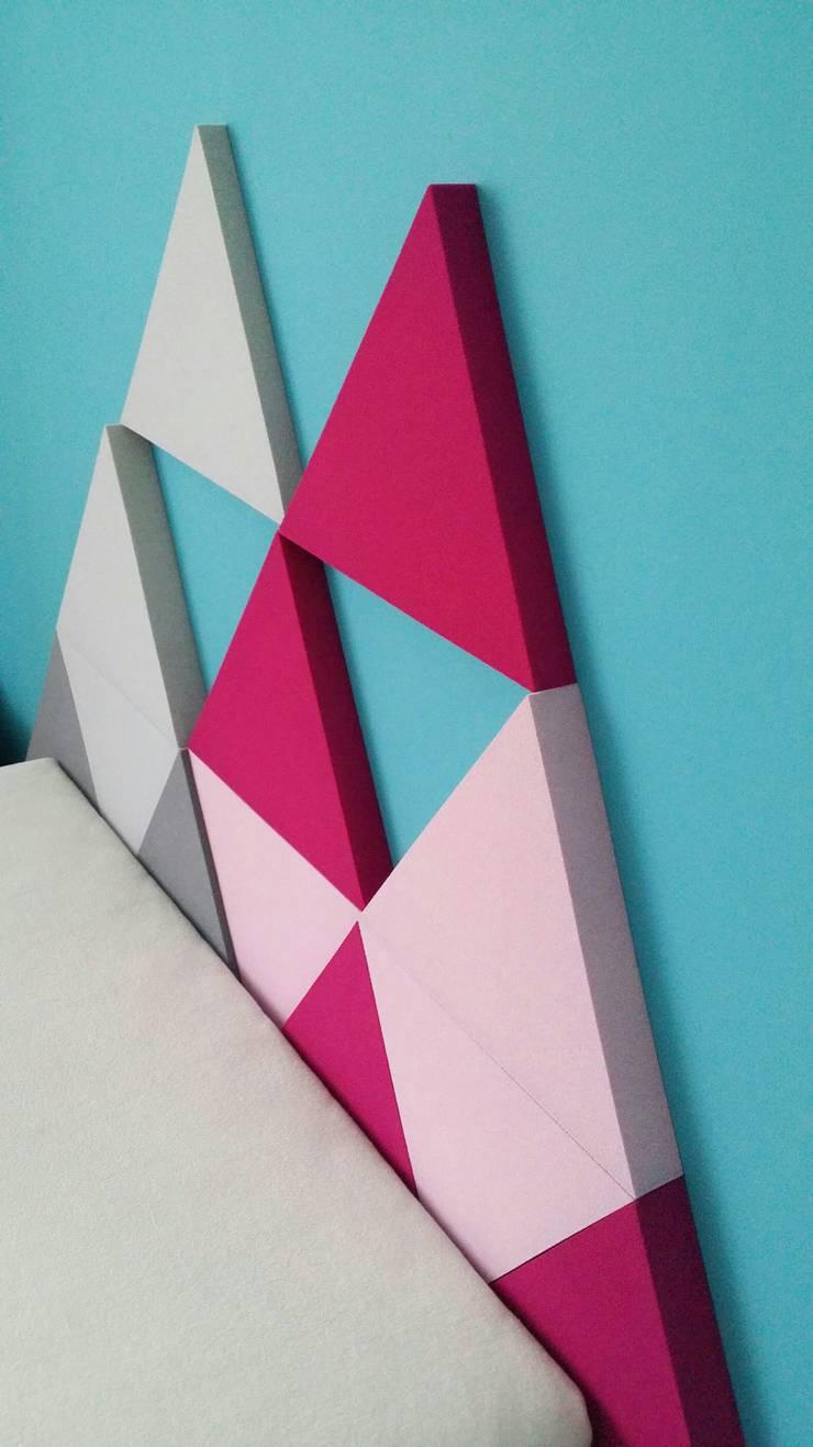 Panele Triada w sypialni jako zagłówek: styl , w kategorii Sypialnia zaprojektowany przez FLUFFO fabryka miękkich ścian