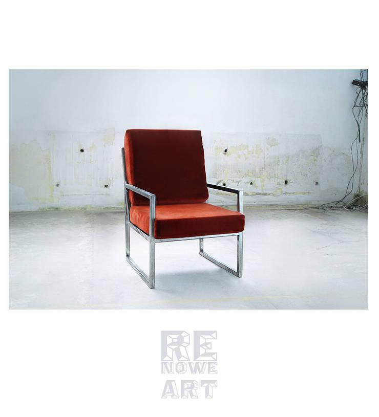 Stalowy fotel z welurowym siedziskiem : styl , w kategorii Salon zaprojektowany przez ReNowe Art