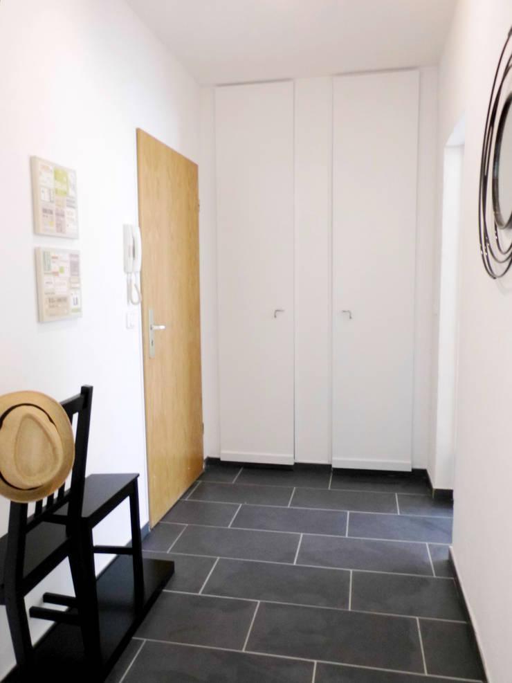 Koridor dan lorong oleh raum² - wir machen wohnen, Industrial