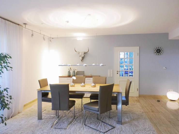 Ruang Makan oleh raum² - wir machen wohnen, Modern
