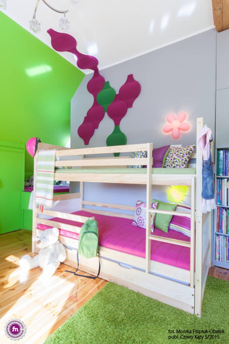 Pokój dzewczynki z akcentem Fluffo Flow 2.0: styl , w kategorii Pokój dziecięcy zaprojektowany przez FLUFFO fabryka miękkich ścian