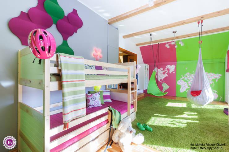 Pokój dzewczynki z akcentem Fluffo Flow 2.0: styl , w kategorii Pokój dziecięcy zaprojektowany przez FLUFFO fabryka miękkich ścian,Nowoczesny