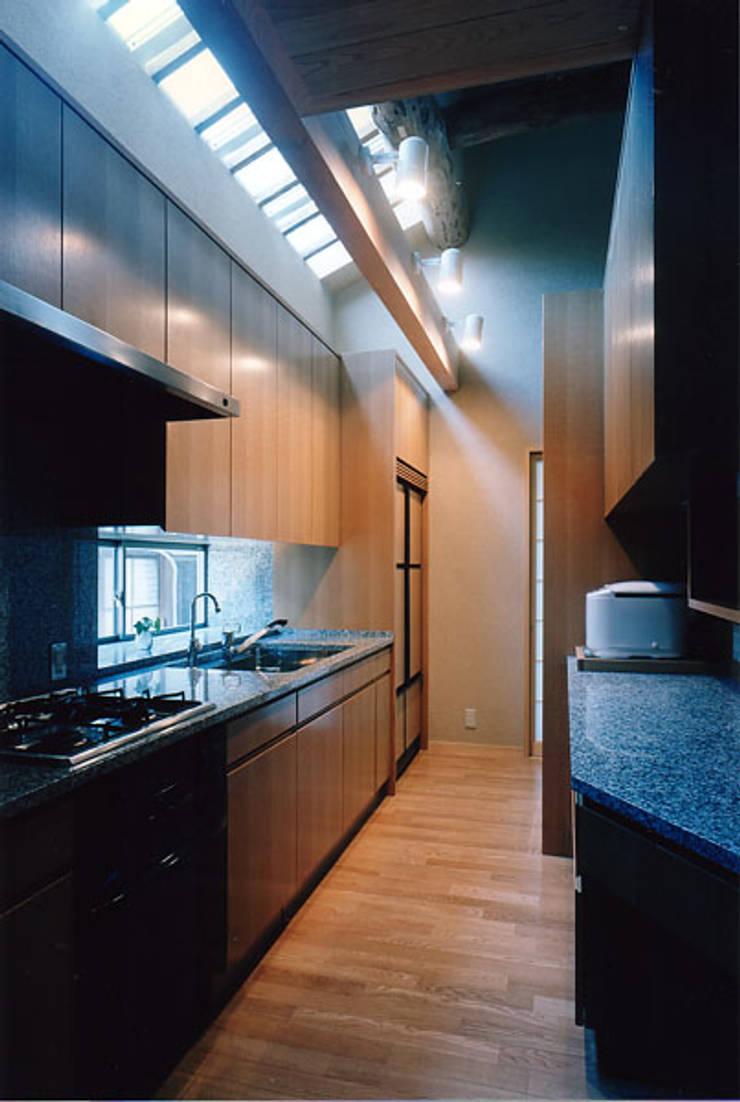 タイトルを入れてください: MOW Architect & Associatesが手掛けたキッチンです。
