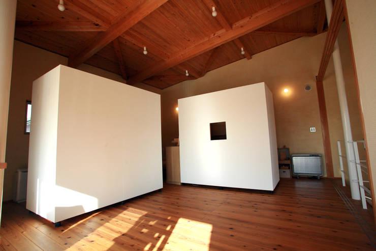 移動家具: 稲吉建築企画室が手掛けた多目的室です。
