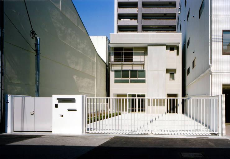 Casas de estilo  de MOW Architect & Associates, Moderno