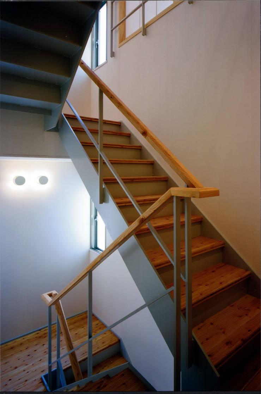 .: MOW Architect & Associatesが手掛けた廊下 & 玄関です。,