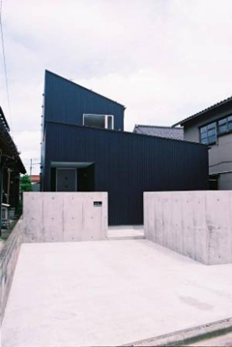 中庭のある家: A-box設計室が手掛けた家です。,モダン