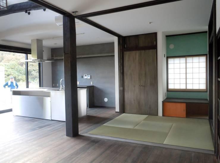 和室: 青戸信雄建築研究所が手掛けた和室です。