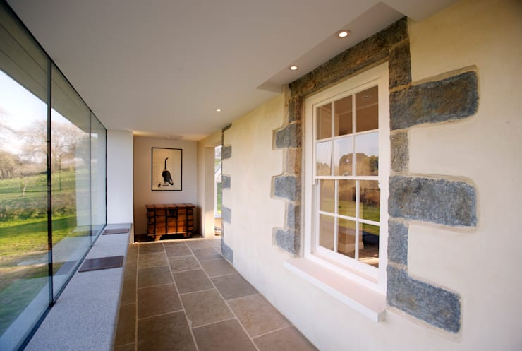 Le Camptrehard:  Corridor & hallway by JAMIE FALLA ARCHITECTURE
