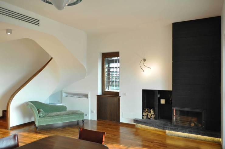 Progetto residenziale | Roma | Quartiere Talenti - 2013: Case in stile  di ar architetto roma,