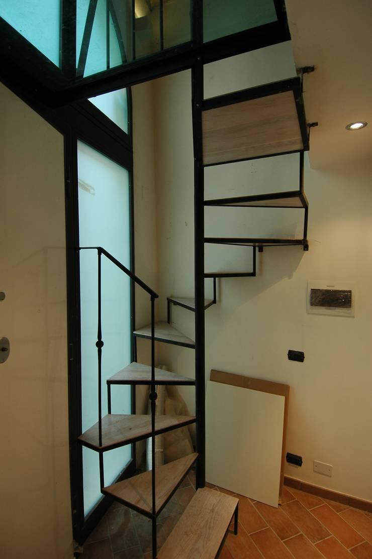 Progetto d'interni: Case in stile  di  Massimo Ghirga Architetto