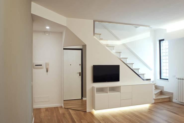 Progetto residenziale   Roma   Casale Selce - 2014: Case in stile  di ar architetto roma, Minimalista