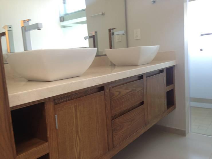 Baños de estilo moderno de Arki3d Moderno