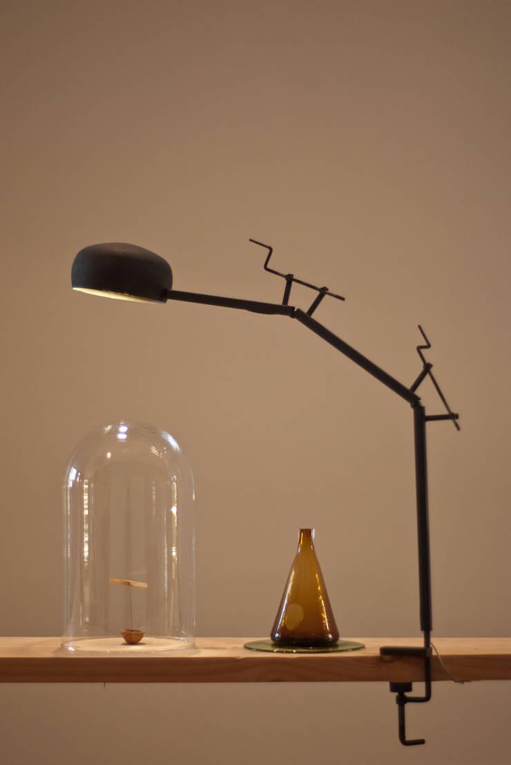 lampe Manivelle:  de style  par François Azambourg