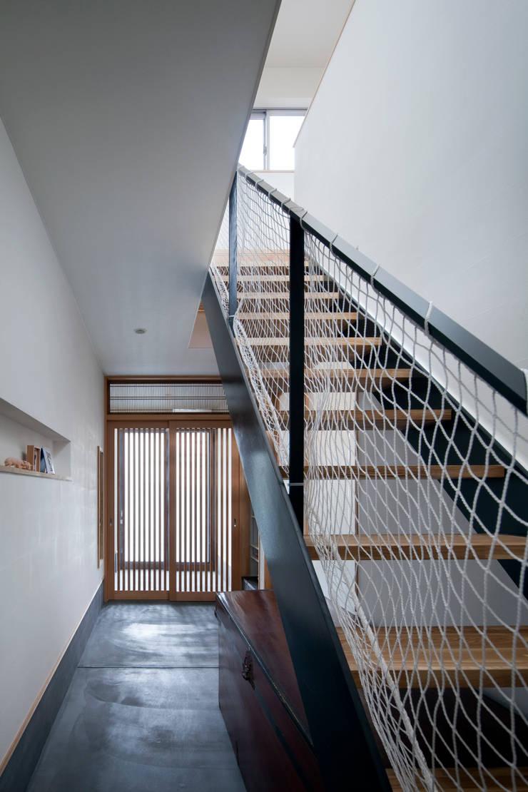 Corridor & hallway by C lab.タカセモトヒデ建築設計,