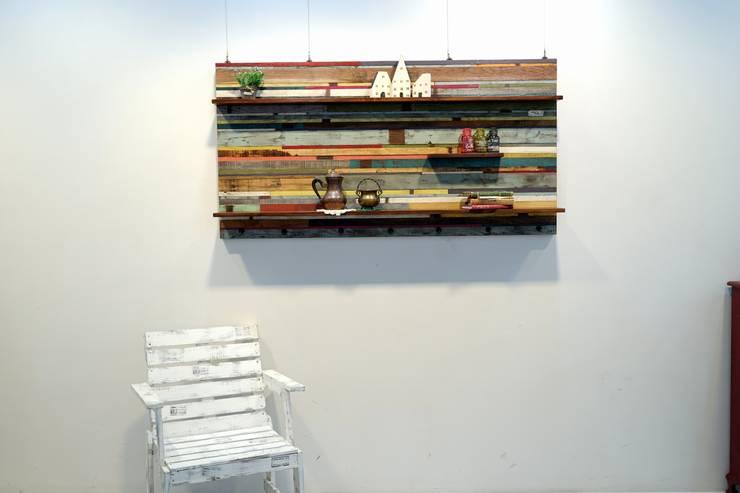 빈티지 빠렛트 와이드 선반: Gemma Art Company의  거실
