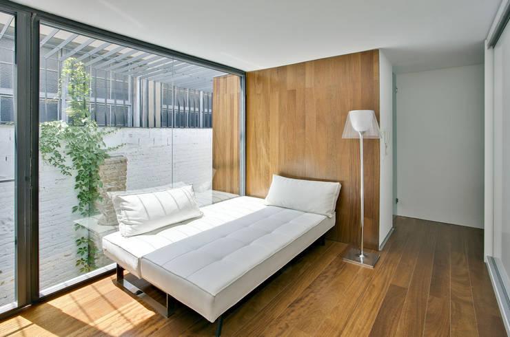 Estudio de Arquitectura y diseño sanahuja&partners : Oficinas y Tiendas de estilo  de sanahuja&partners