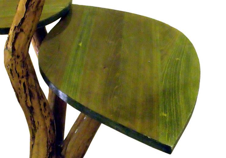Concrete Life Table/lamp: Arte in stile  di Dimondo Interior Design and Furniture,