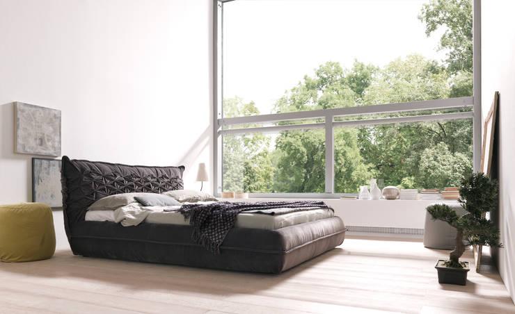 NIDO: Camera da letto in stile  di Bolzanletti,