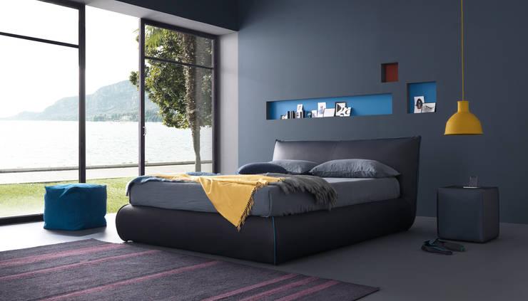 MOONITO: Camera da letto in stile  di Bolzanletti