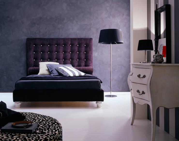 ZEN: Camera da letto in stile  di Bolzanletti