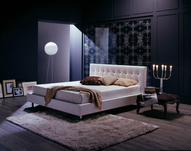 VOGUE: Camera da letto in stile  di Bolzanletti