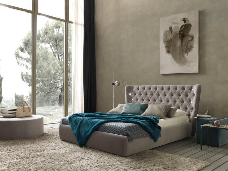 SELENE: Camera da letto in stile  di Bolzanletti