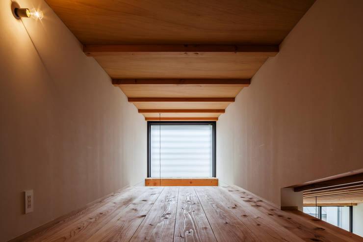 Casas modernas por FUMIHITO OHASHI ARCHITECTURE STUDIO