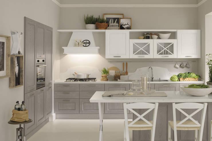 AGNESE 2 – CUCINELUBE: Cucina in stile  di Studio Ferriani
