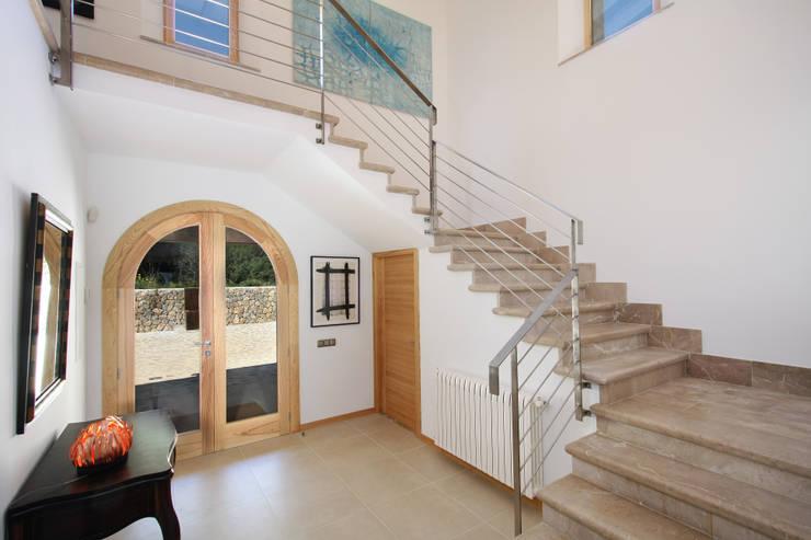 Corridor & hallway by Jaume March Muntaner, Classic