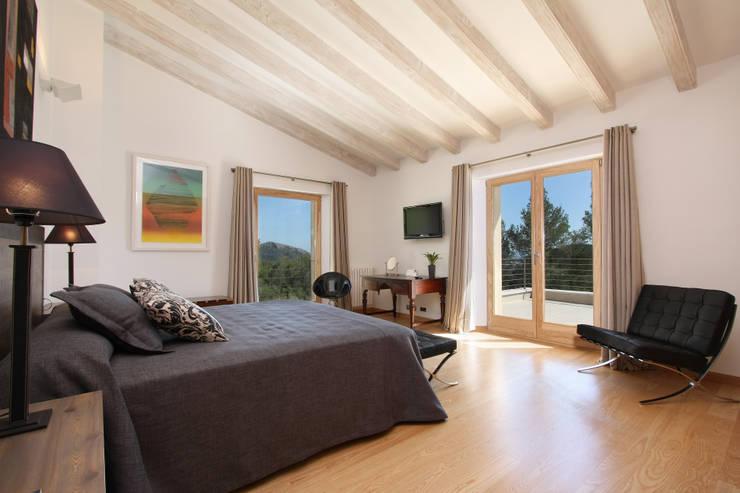 Habitaciones de estilo  por Jaume March Muntaner