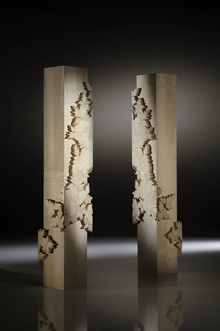 Colonna Leaves Collection: Soggiorno in stile  di Atelier Mo.Ba.