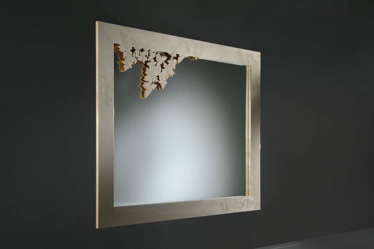 Specchio Leaves Collection: Soggiorno in stile  di Atelier Mo.Ba.
