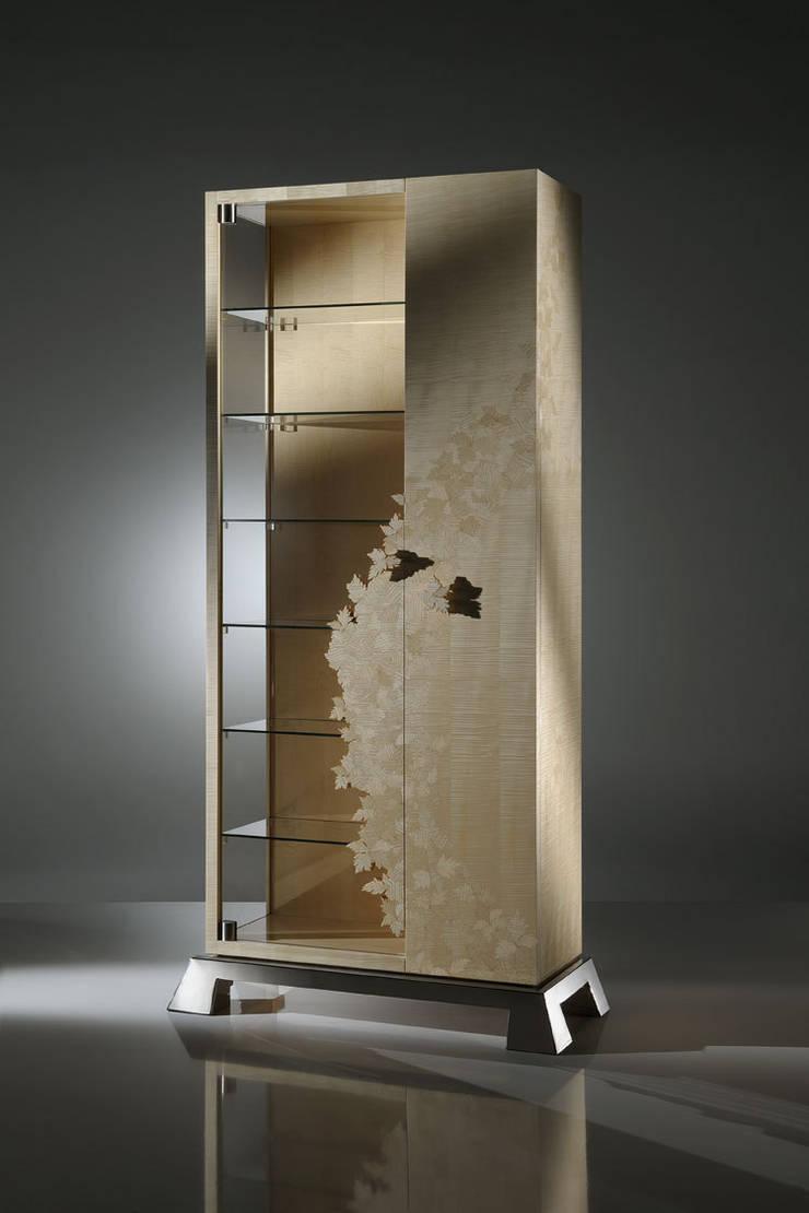 Vetrina Leaves Collection: Soggiorno in stile  di Atelier Mo.Ba.