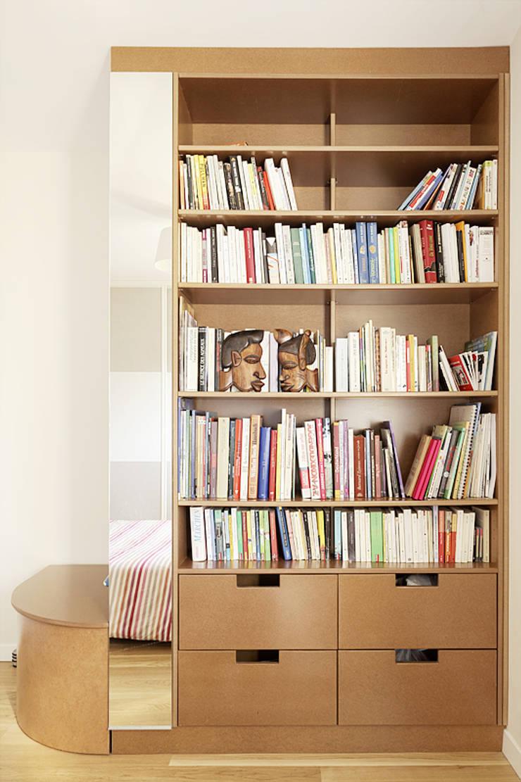 Création d'un meuble sur-mesure: Salon de style de style Classique par CL Intérieurs