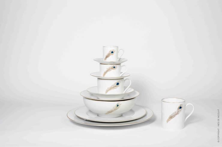 Plume de Paon: Salle à manger de style  par Inès de Nicolaÿ